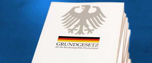 Blog Armes reiches Deutschland - Bild Grundgesetz